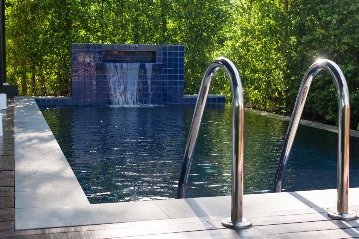 betontegels zwembad